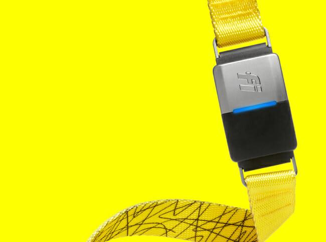 fi tracker on yellow background
